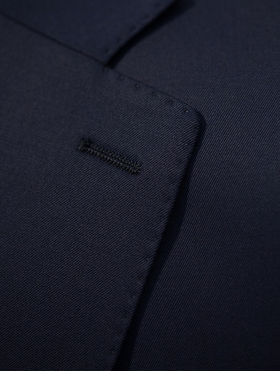 image: Verne suit plain (1)